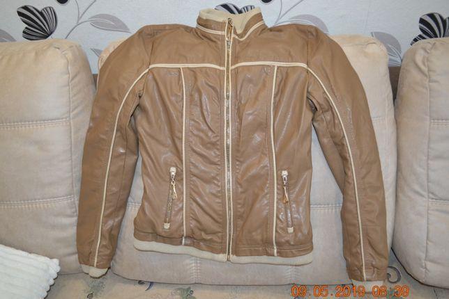 Продам куртку на подростка девочку от 12-16