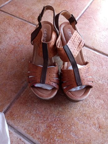 Sapatos e botas de senhora