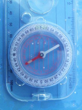 компас для ориентировании на местности . с измерителями