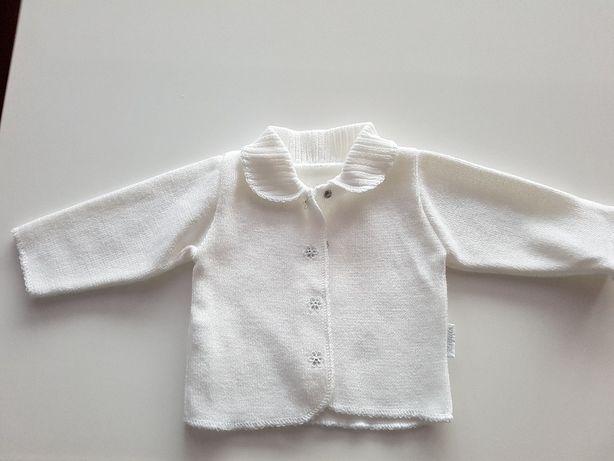 biały sweterek rozm. 74 idealny na chrzest, stan idealny