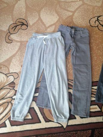 Spodnie rozm. 152