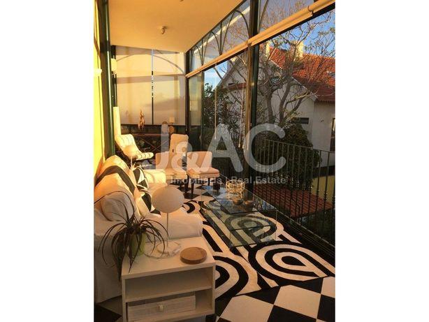 Luxuoso Apartamento T1+1 em Palacete, Estoril (Marginal)