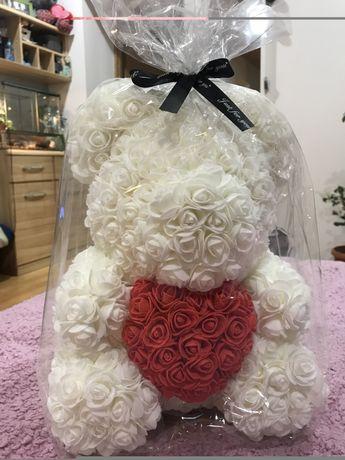 Miś z róż idelna Walentynka