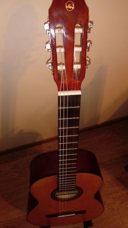 Gitara aktustyczna