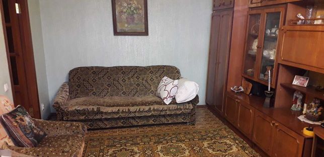 Продам 2-х комнатную квартиру на кв. Ватутина