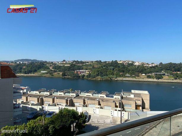 Moradia T3+1 - Vistas lindíssimas - Rio Douro