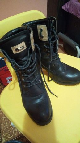 Продам ботиночки кожаные