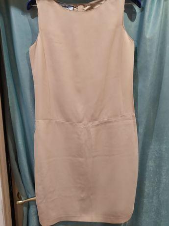 Женское платье фирмы  Prada