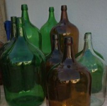 Garrafões de vidro e plástico 5L