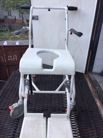 Кресло-каталка инвалидная для душа