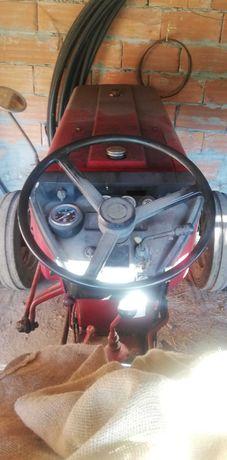 Trator International 384