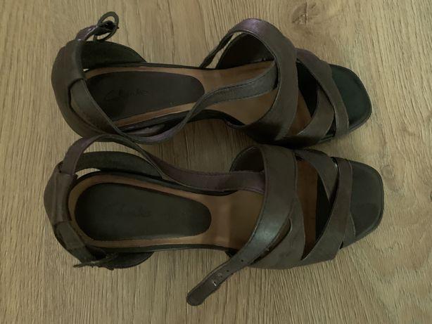 кожаные туфли clarcs