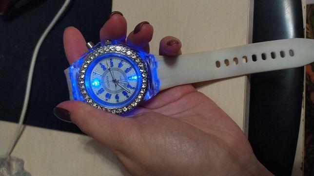 Продам годинник світлодіодний
