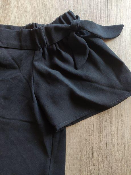 Czarna sukienka Orsay