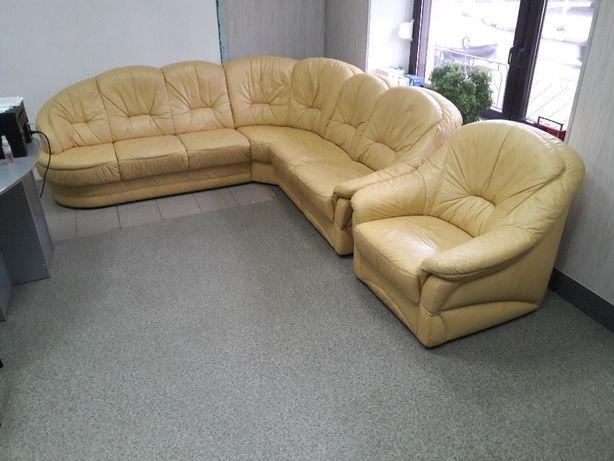 Шкіряний куток,диван+пуфік з Німеччини!