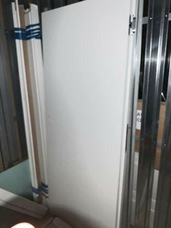 Drzwi z ościeżnicą 80 cm lewe