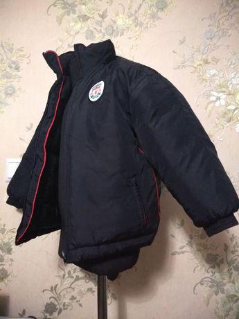 Продам очёнь тёплую зимню куртку на мальчика