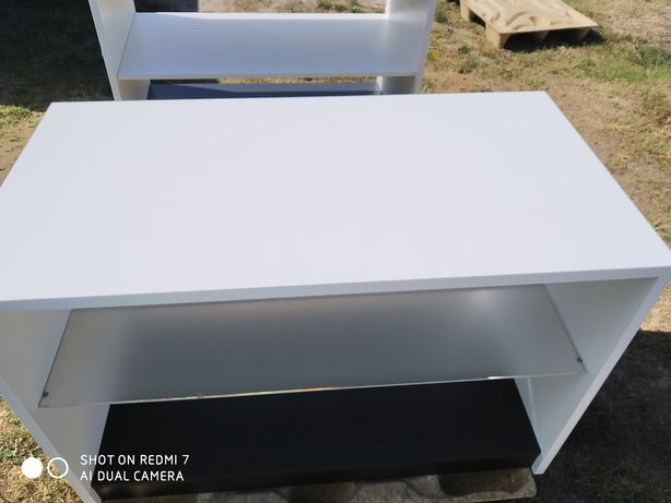 Продам стол белый