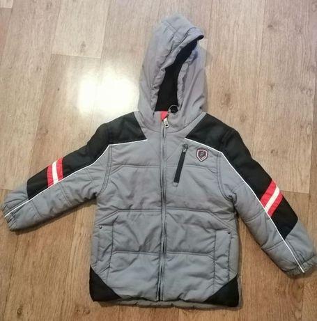 Курточка детская, демисезонная, на мальчика 6 лет.