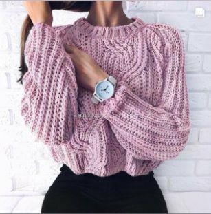 Женский свитер укороченый