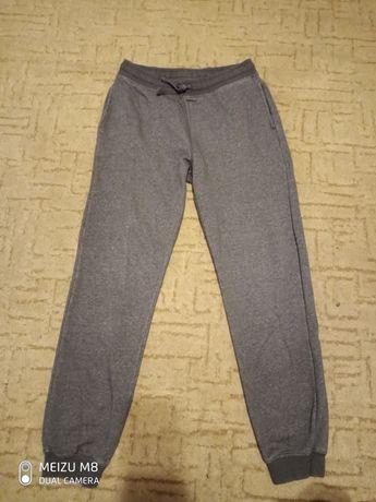 Утепленные спортивные штаны на подростка 9-12 лет