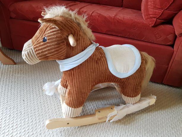 Koń, konik na biegunach , mniejszy
