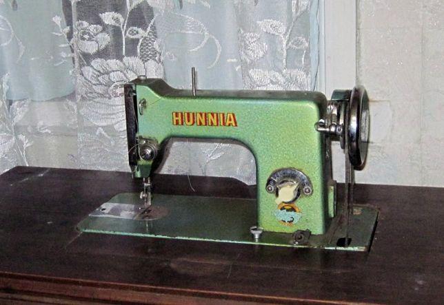 Швейная машинка HUNNIA