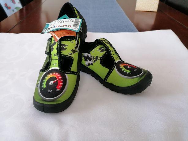 Nowe lekkie buty, kapcie do szkoły, ala trampki rozm. 33