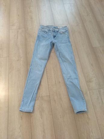 Sprzedam jeansy ZARA rozmiar 40