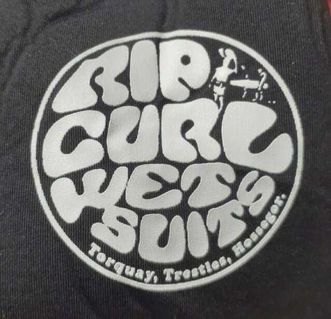 Fato de surf como novo