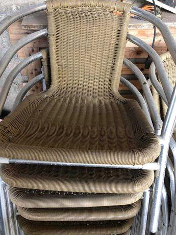 cadeiras e mesas de esplanada