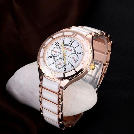Śliczny zegarek wraz z okazjonalnym pudełeczkiem Walentynki