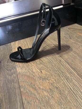 Saint Laurent босоножки , 37 р,оригинал , кожа, черные,идеал состояние