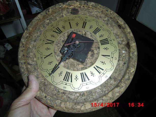 Relógio em cortiça
