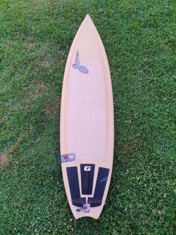 Prancha Surf Stretch F4 6'3 Tuflite 2 + Quilhas Futures Quad