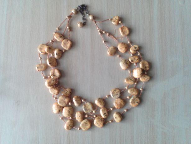 Korale, kolczyki, pierścionek
