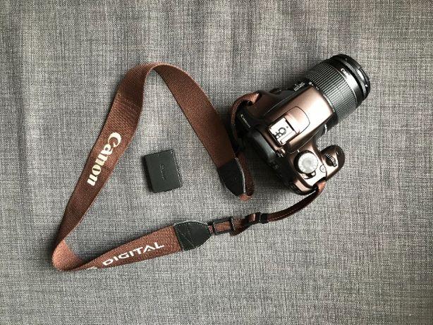 Canon EOS 1100D + EF-S 18-55mm f/3.5-5.6 DC III + 6 ACESSÓRIOS