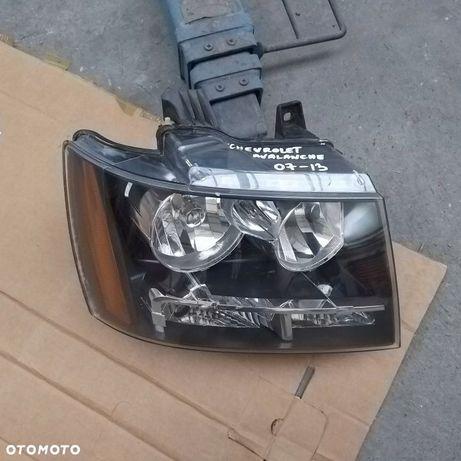 Chevrolet Avalanche - Lampa przód przednia prawa