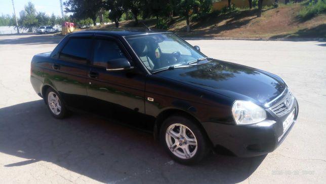 Автомобиль приора 2011 год.