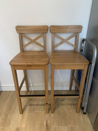 Dwa krzesla barowe
