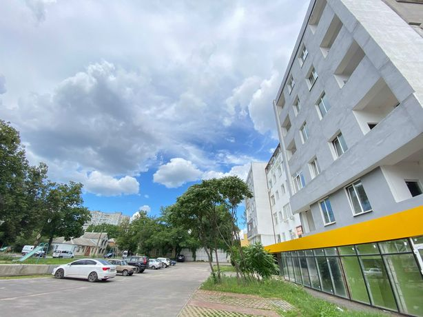 Двухуровневая квартира рядом с метро Спортивная!