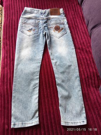 Продам джинсы рубашки на ребёнка