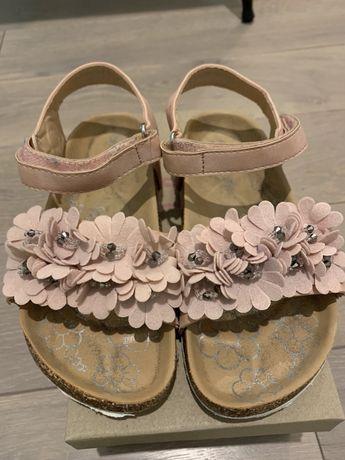 Sandalki CCC, rozmiar realnie 31