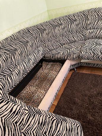 Продам диван со спальным местом и местом для хранения вещей