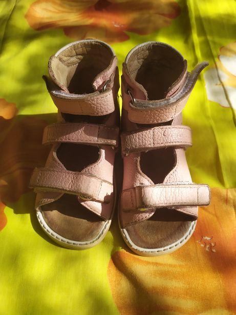 Продам ортопедические босоножки сандали ортофут ortofoot 13,5