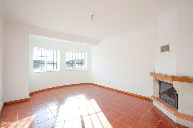 ARRENDAMENTO - Apartamento T1 + 2 duplex - Lousã