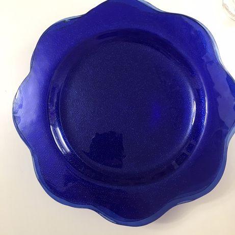 Szklane talerze kobaltowe srednica; 24 cm