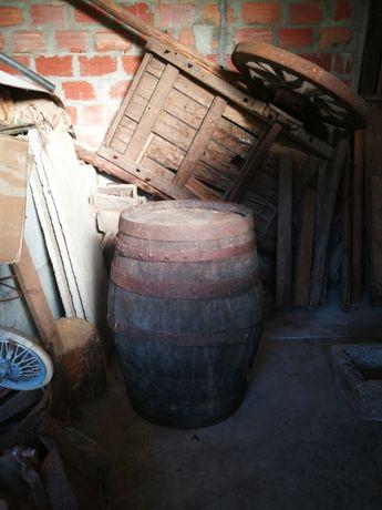 Barricas / Pipas antigas para restauro