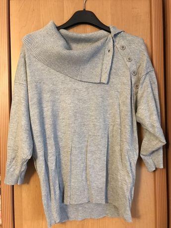 Sweterek z wywijanym kołnierzem