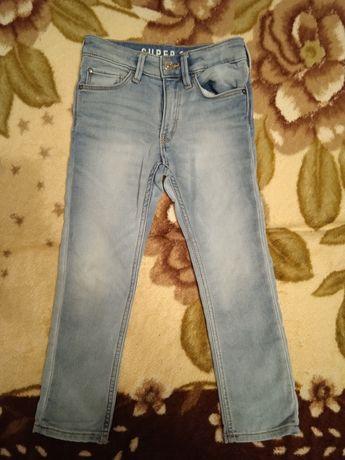Продам джинсы на девочку